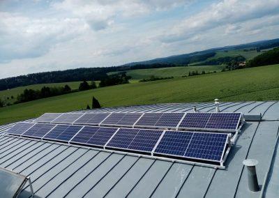 Fotovoltaická elektrárna 4,38 KWp, Akumulace energie do baterií